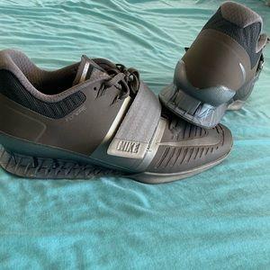Men's size 11 Nike Romaleos 2